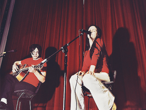 100 photos of the White Stripes: 004/100