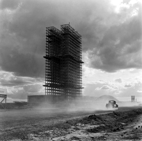tenshillingsandsixpence:  Construction of Brasilia, 1950's