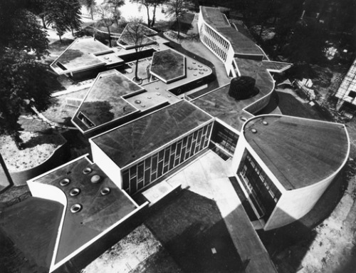 causalocuta:  Lindsay Drake and Denys Lasdun - Hallfield Primary School   Paddington, London, 1952