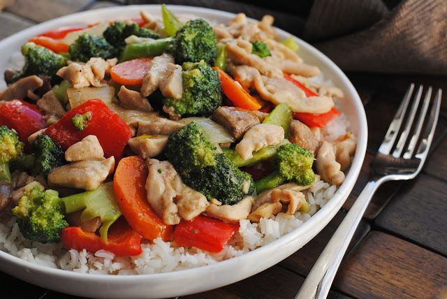 Garlic-Ginger Chicken and Vegetables Stir Fry