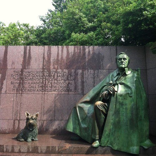 ricvheltlantaya:  The #FDRMemorial is one of #Washington DC's top attractions and honors Franklin D. Roosevelt for leading the United States through the Great Depression and World War II. This impressive park-like memorial is spread over 7.5 acres and features four outdoor gallery rooms depicting the 12 years of FDR's presidency. FDR was the only president to be elected four times. FDR was the only president to ever have a handicap. He suffered from polio and sat in a wheelchair. Sculptures inspired by photographs depict the 32nd president alongside his dog #Fala. The FDR memorial is the first monument designed to be wheelchair accessible. (at Franklin Delano Roosevelt Memorial)