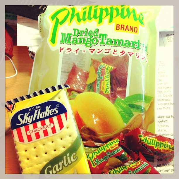 Thank you @bhabyjha 💚#yummy #asain #food #philippine #brand #mangotamarind #&&  #skyflakes #crackers 👌😋