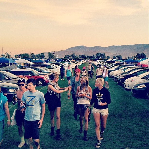 LUUUUURKIN #coachella #coachella2013 #weekend1 #taskforce #squad #repost @the__u @summer_dietz @lauren_stevens @celestra @caitlynschmaitlyn