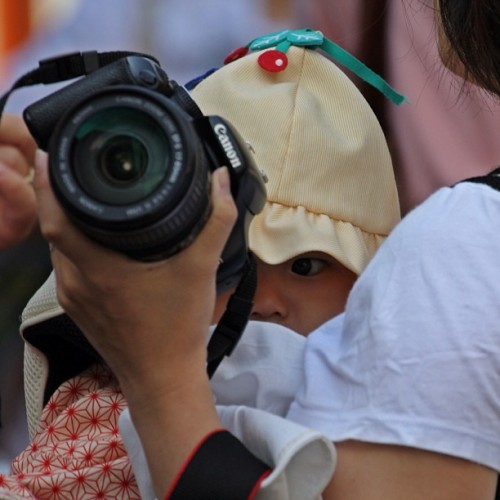 Toddler learning the ropes #canon