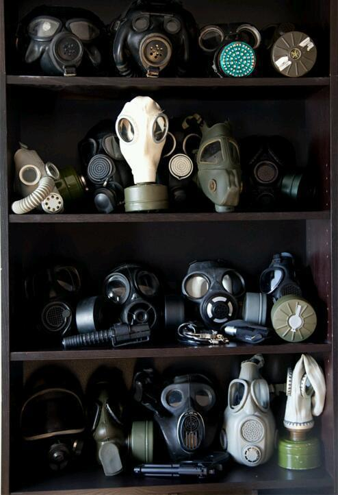 sergiosilvae:  GAS MASKS en We Heart It. http://weheartit.com/entry/45109820/via/seven6oh