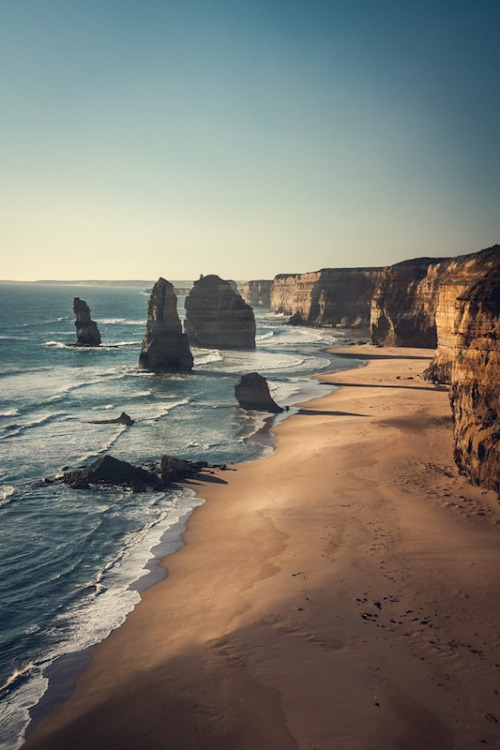 brutalgeneration:  The Twelve Apostles (by tomwhoca)