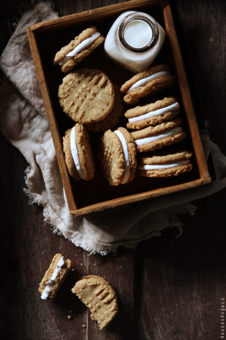 fattiesdelight:  Peanut Butter and Marshmallow Sandwich Cookies   MY LIFE.