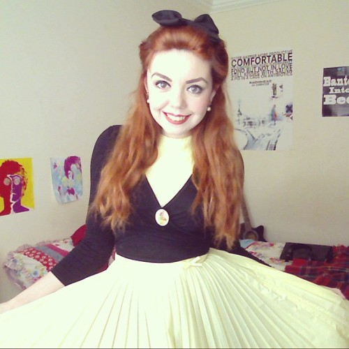 Spring style on Good Friday! :-) #bow #ginger #retro