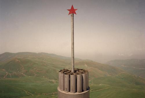 gunsandposes:  Memorial for a dead Russian soldier, 2000, near the town of Andi in Dagestan along the Chechen border. Photo by Thomas Dworzak/Magnum.