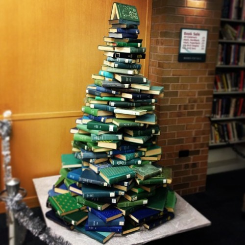 thelifeguardlibrarian:  Gotta tip on a very handsome book tree in Downers Grove…  THE LJ TUMBLR NEVER TIRES OF BOOK TREES.