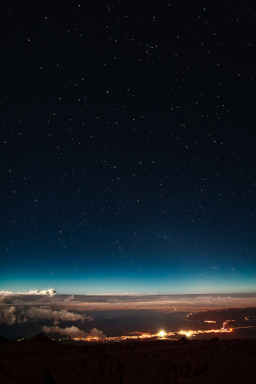 stopjudgingeachothers:  #wow #stars #blue #night #lights