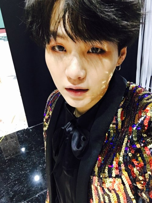 bts-trans:  160930 Suga's Tweet 까망까망해 pic.twitter.com/NoHf4WnJLR It's black, black(T/N: Suga is most likely referring to his hair color)   Trans cr; Alli & Nara @ bts-trans© TAKE OUT WITH FULL CREDITS #yoongi baby #Youre so beautiful #gfnkdflgnjdlkfng
