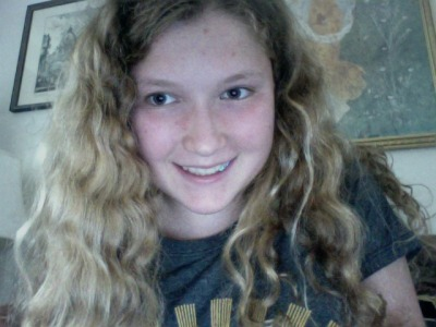 My hair is curly today :3