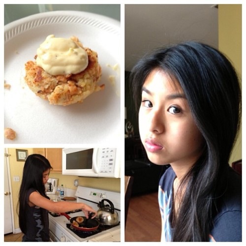 Cooked some salmon cakes with this pretty girl today. 😍💕🐟 @angel_albertooo #mygirlfriend #bejealous #wifeymaterial