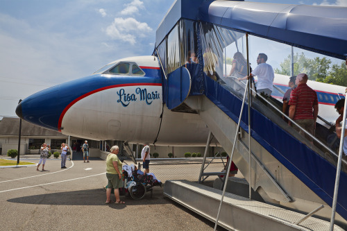 giacomofortunato:  Elvis' plane the Lisa Marie at Graceland. Memphis, TN.