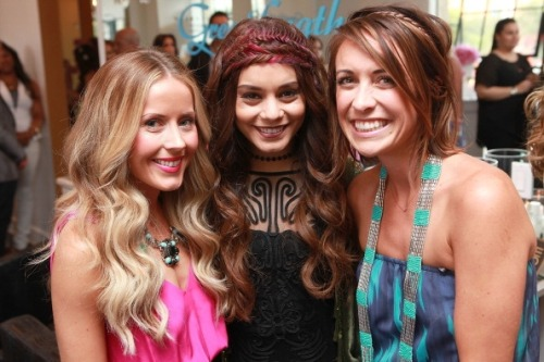 Vanessa with Hairdressers at the Nine Zero One Salon (16-05-13)