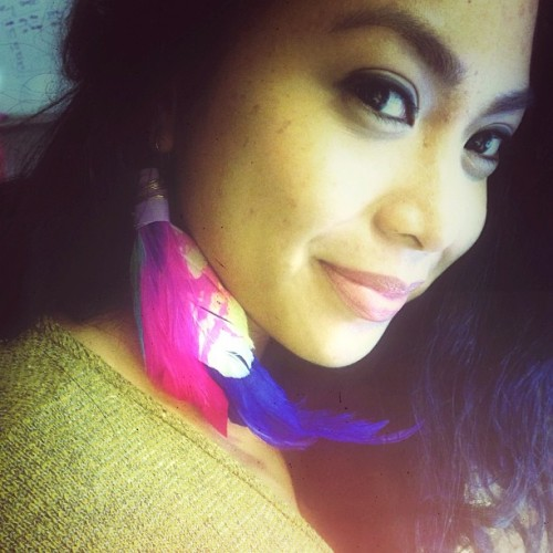Feeling bright and funky today because of my fav Sari-manok earring! Feather earring by my sis, Jana! Want one? Get yours - jlynumi.wix.com/sari-manok OR hit me up!