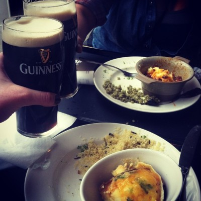Refueling like the Irish do. Baked potato, shepherds pie, and Guinness.   (at Guinness Storehouse)