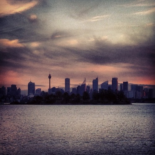 After filming 'quarks on the beach' #sunset #sydney  (at Milk Beach)
