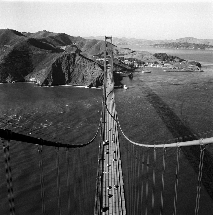 ahoradote:  The view north from atop the Golden Gate Bridge in 1955. Nat Farbman—Time & Life Pictures/Getty Images