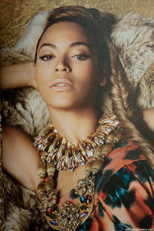 beyoncediario:  The Mrs. Carter Show Tour Book