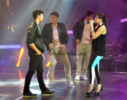 "lovemysuperjulielmo:  Elmo: When I look into your eyes, I see an angel full of love and passion :"">"