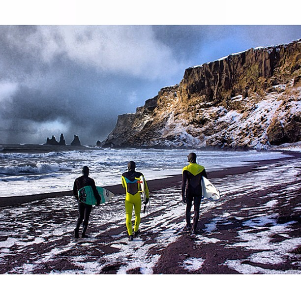 chrisburkard:  Can't wait to get back here…. Miss those cold #iceland waves.. Tickets are booked @lucasgilman @soberquest @mikeydetemple @fjallravenusa @gerbergear @goalzero #slime @chadcopeland @jeanpaulm (at arctic surf)