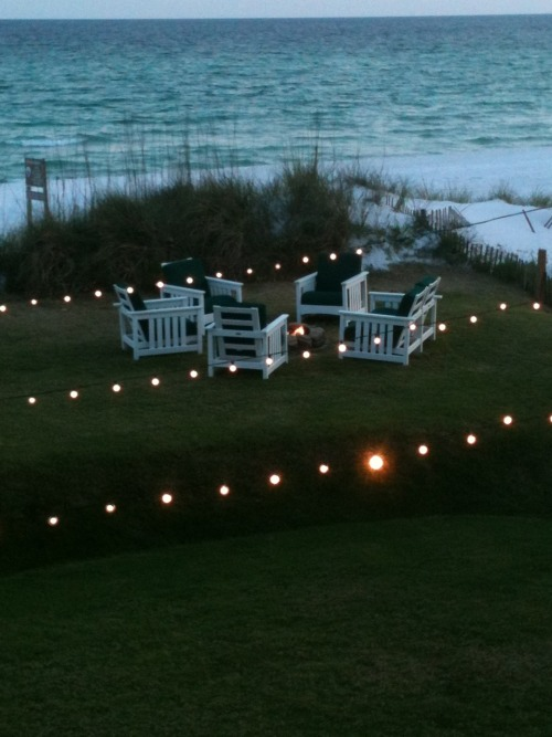 The lawn overlooking the beach at the Henderson Park Inn.