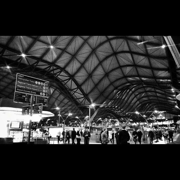 Southern cross at night. #southerncrossstation #metrotrains #snapseed #spencerstreet  (at Maidstone)