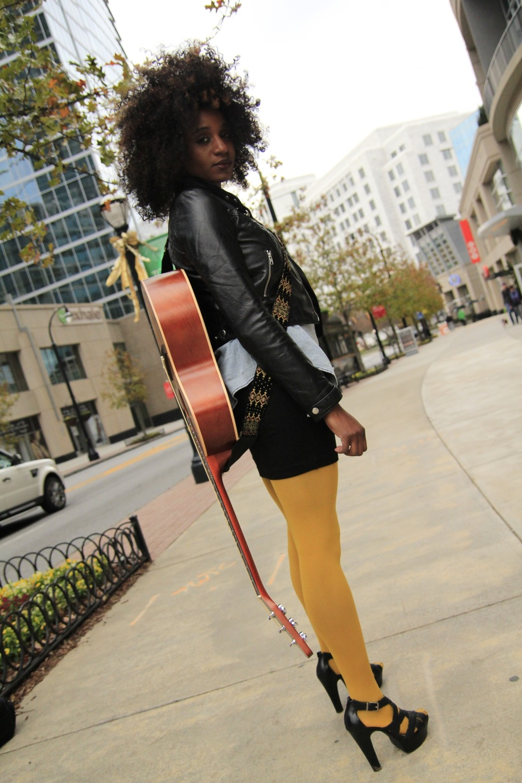 Guitars and yellow tights make great accessories.. http://www.cecilimusic.com
