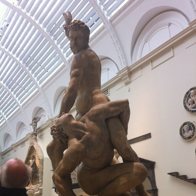 Love a naked wrestle #london #vanda #statue #wrestle