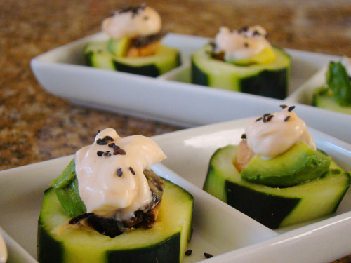 veganfeast:  Cucumber Sushi Cups on Flickr. yum  so hungry