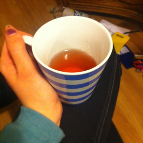 No glasses? No problem. Wine in a mug ;) #classybird