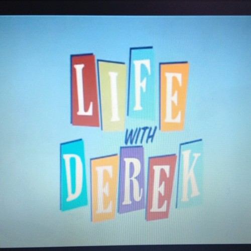 Cause this show is perfect for a day like today. #lifewithderek #soccerprobs  #soccer #injuries #yep #neckprobs