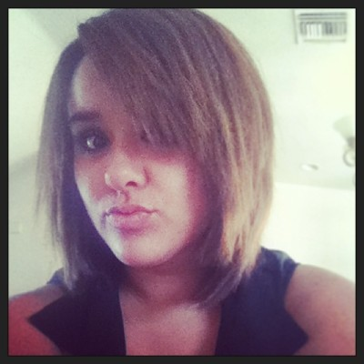 Thanks @mirandaalexiss  for my new hair cutt totally in love haaha I look like Mir jr. Jijiji so cutee <3 😘😉😊👑🎀💜💋 #new #haircutt #cute #short #weird #new #look (at Lopez Residence)
