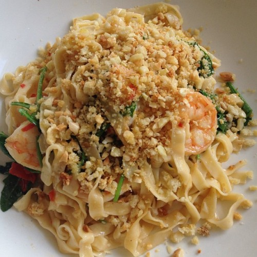 #Yesterday #lunch fettuccine with king prawns, rocket, chili, garlic and crushed almonds! Was HEAVEN!!!