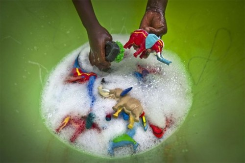cleophatrajones:   yannickbrouwer:  This little company from Kenya makes toys from slippers that wash up on the beach. Pictures by Ben Curtis  How glorious is this?! Upcycling at its finest…