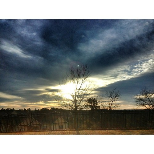 Mornin #famouslyhot #sc #southcarolina #columbiasc #iphone4s #iphonography #instagram #colors #clouds #sky #webstagram  #iphoneonly  #instagrammers #iphonegraphy (at Welcome To South Carolina)