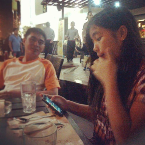 Last last month at Max's with my parents #Stolen #Bbpic #Dinner #Dubai #Uae #Instafood #Instagood #Instacool #Instdaily