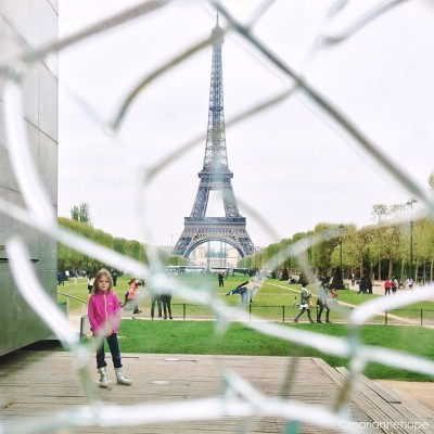 """Broken view 2""   .   Today's #eiffel for #marianneseiffel, this time with a different focus point than last #broken view (see tag to know what I mean) #paris #latergram  (at Mur de la Paix)"