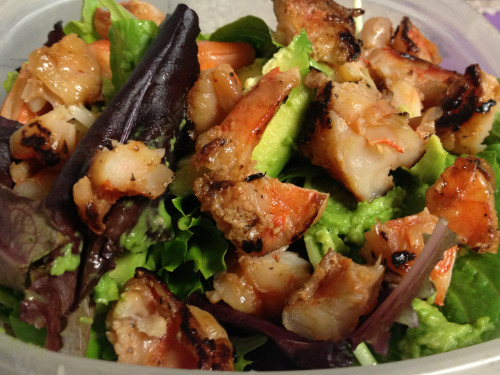spring greens, shrimp, & avocado salad delite :)