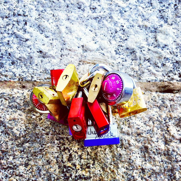 Love locks on the Brooklyn Bridge More photos on MD Hearts BK