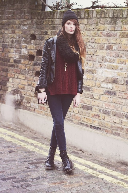 lookbookdotnu:  I think, it's time to run away. (by Juule Kay)