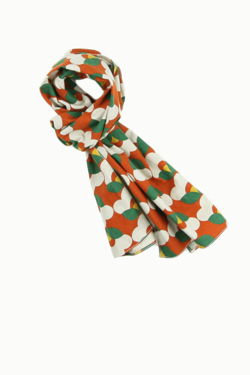 wantering:  The Hill-Side Orange Geometric Flower Print Scarf  Scarfscarfscarf (Scarf tying tutorials here)