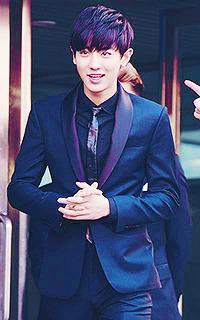 Park Chan Yeol (EXO) Tumblr_ny4r85S9CP1s0jim5o3_250