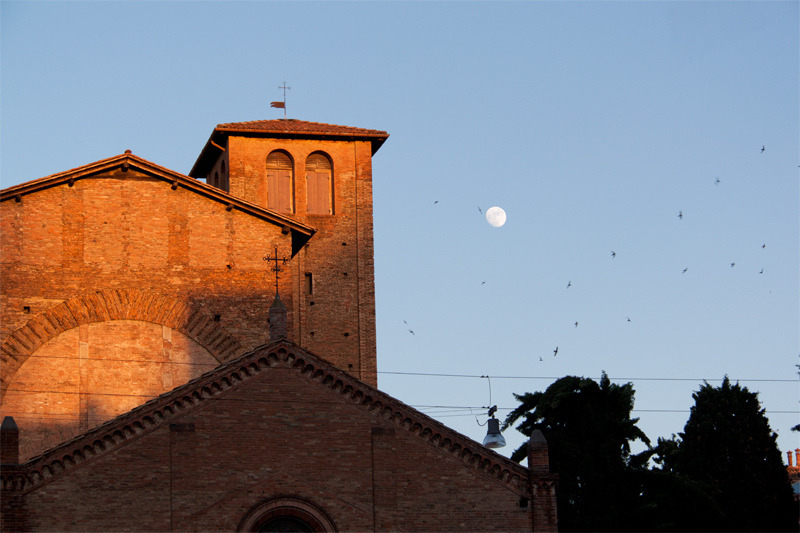 | ♕ |  Moon in the afterglow - Bologna  | by © Tullio Dainese