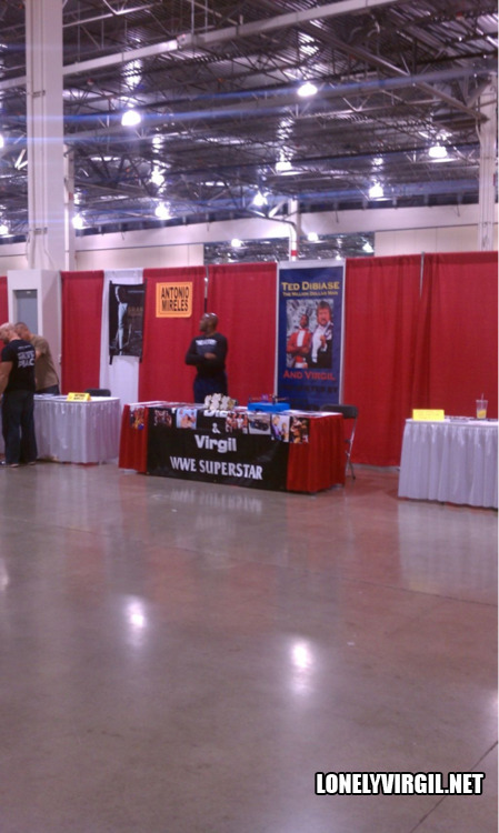 Our buddy @RogerPriebe sent this in via twitter from the 2012 Motor City Comic Con. Looks more like a GM factory in Flint.