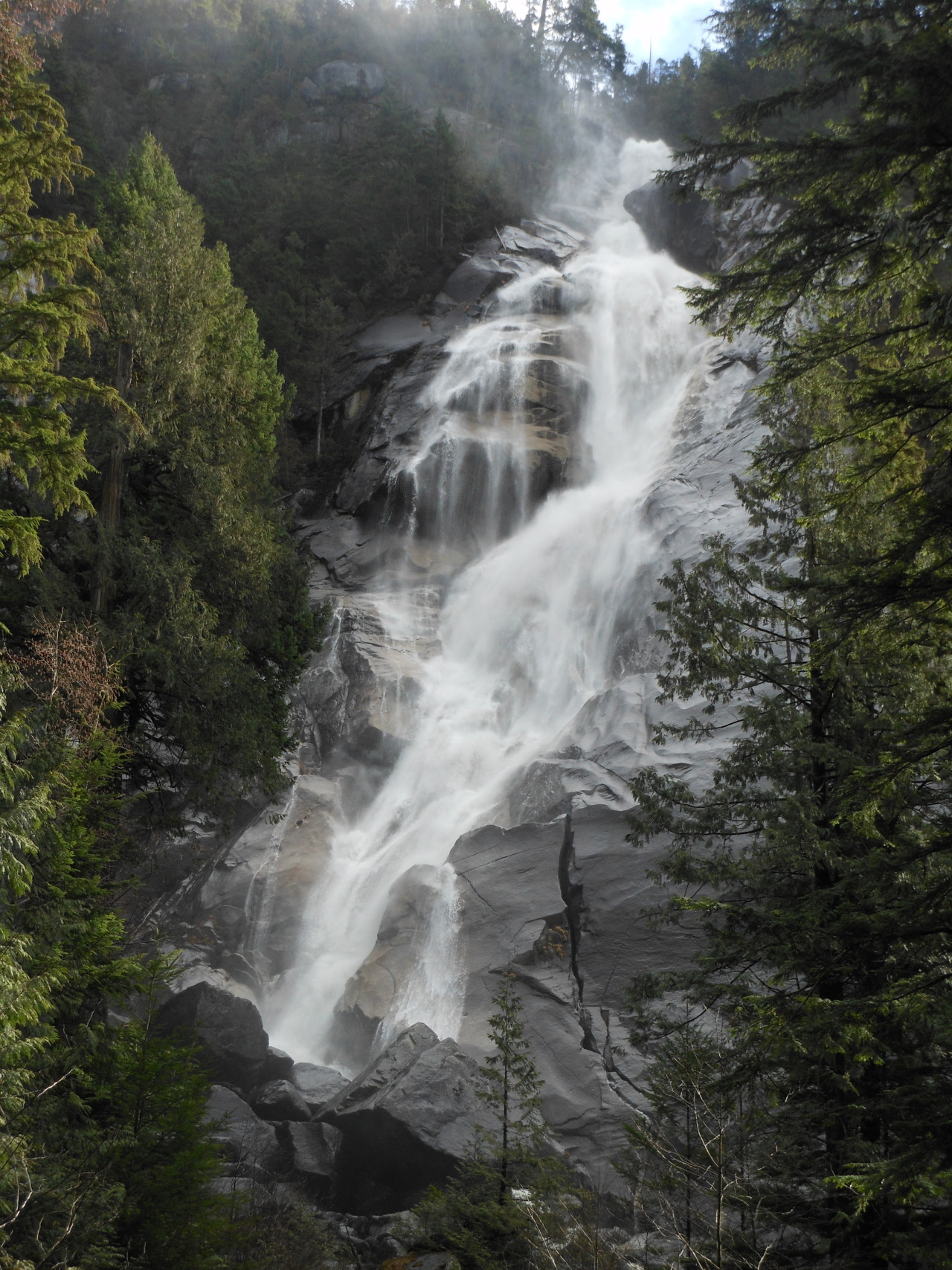 geologise:  Submission: Shannon Falls, British Columbia, Canada