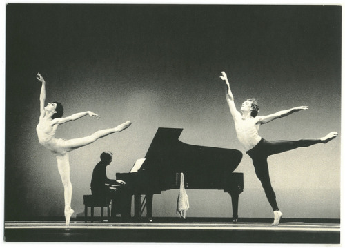 yoiness:  Lynne Charles & François Klaus in Desir; chor. John Neumeier (The Hamburg Ballet)_Cicero. Photo Holger Badekow by Performing Arts / Artes Escénicas on Flickr.