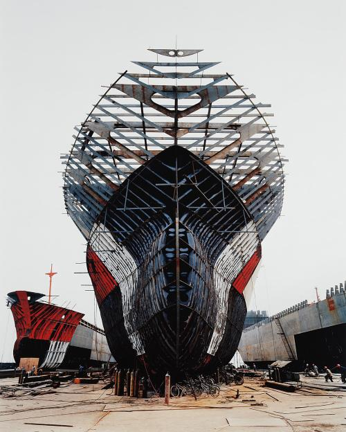 Edward Burtynsky, Shipyard #11, Qili Port, Zhejiang Province, China (2005).